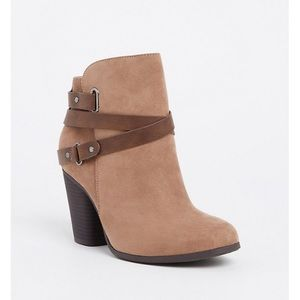 NWT TORRID TAUPE FAUX SUEDE STRAPPY BOOTIE 12WW